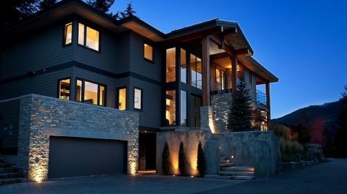 A-Stylish-House-In-British-Columbian-Mountains-Worthing-8.5-Million-2
